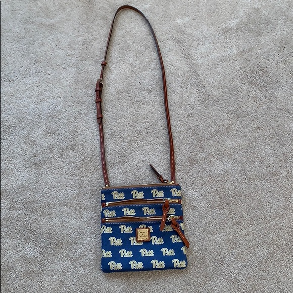 Dooney & Bourke Handbags - Dooney & Bourke hipster